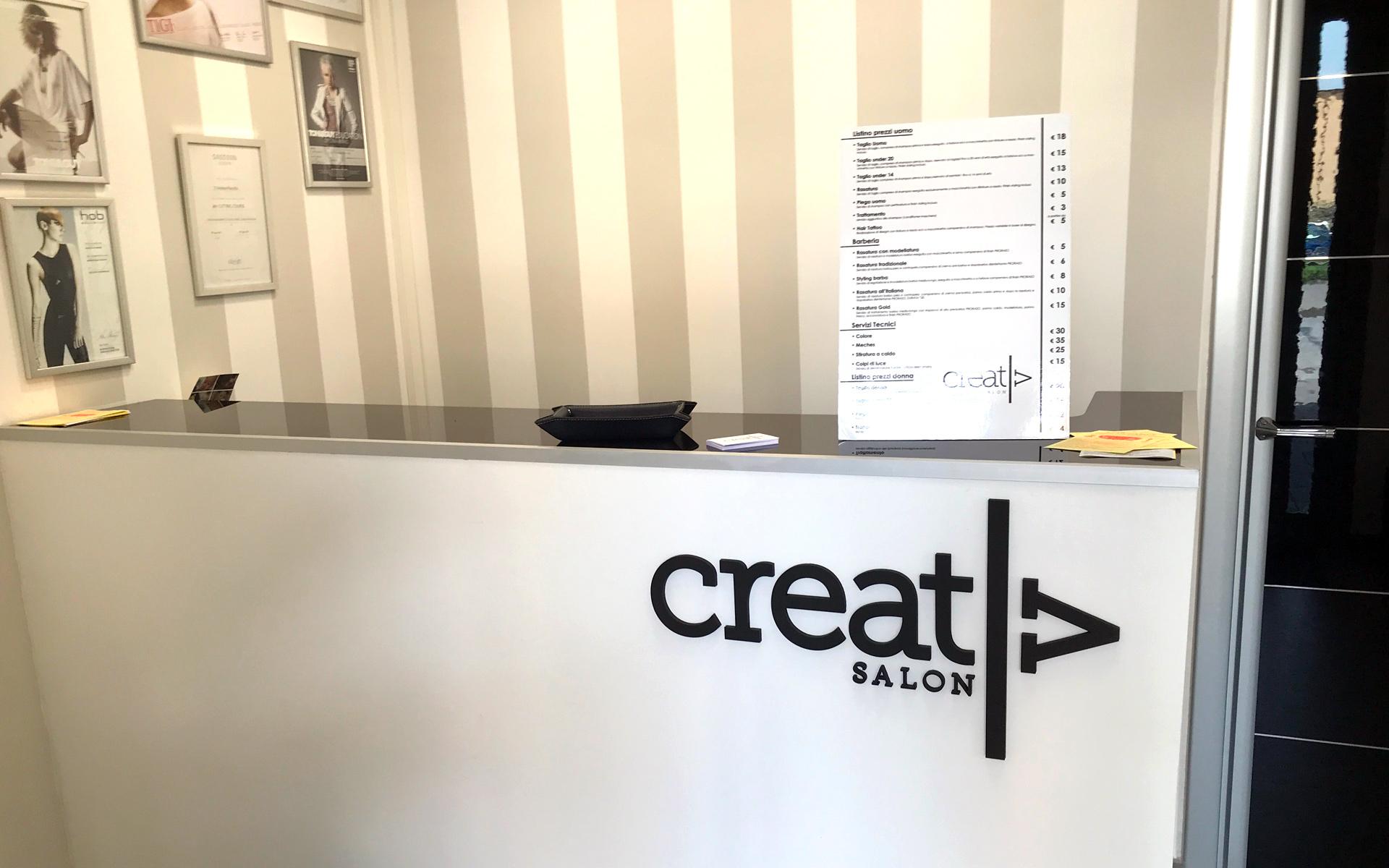 personalizzazione-logo-su-bancone-per-barbiere